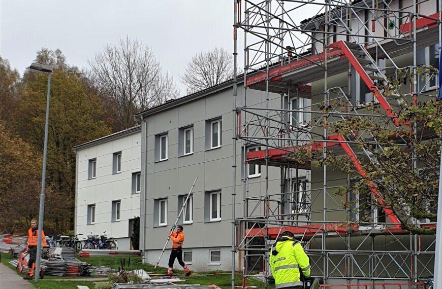 Fasadrenoveringen går framåt